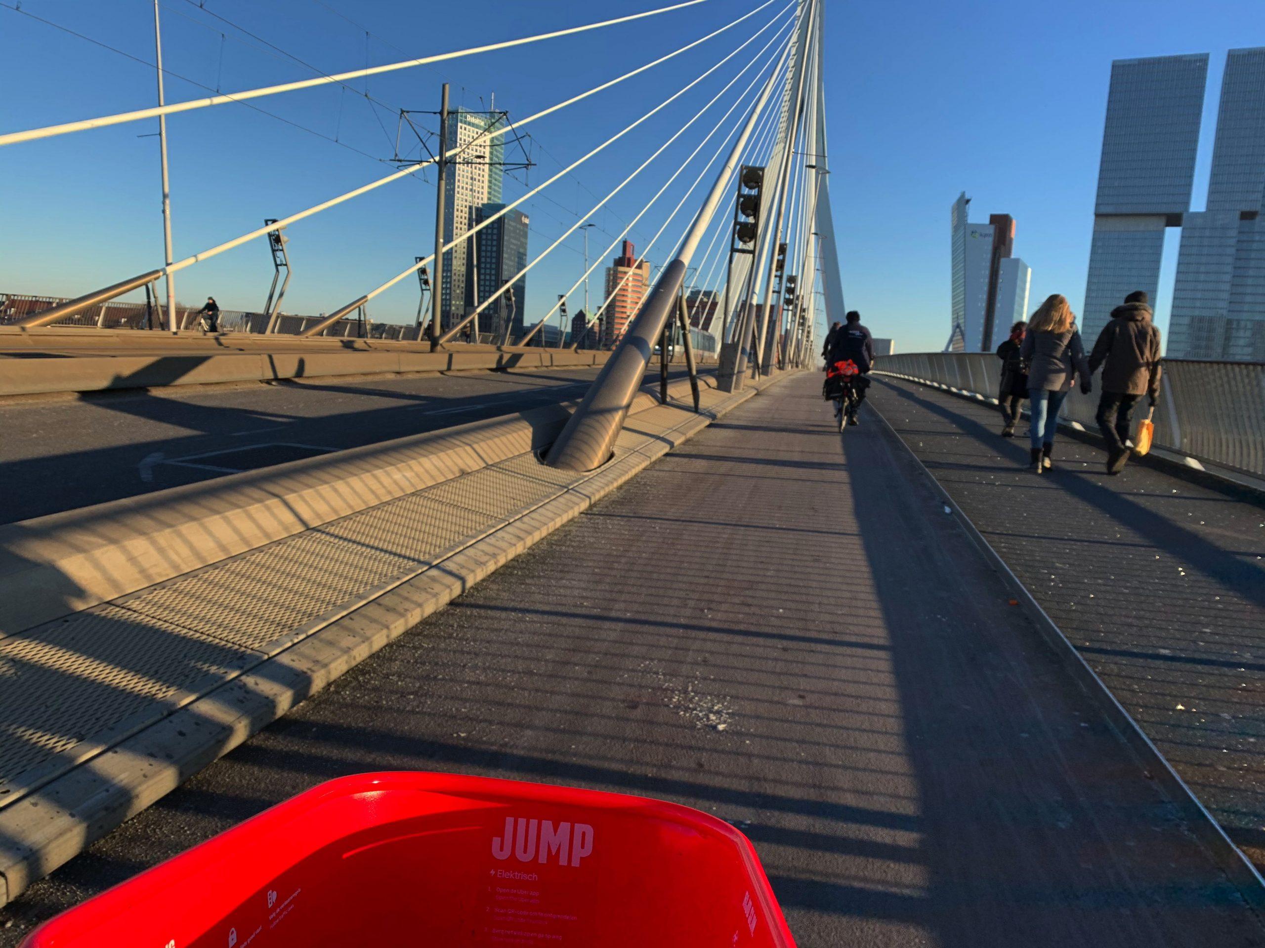 Review Jump in Rotterdam: goede fiets met krachtige motor, maar wel aan de dure kant