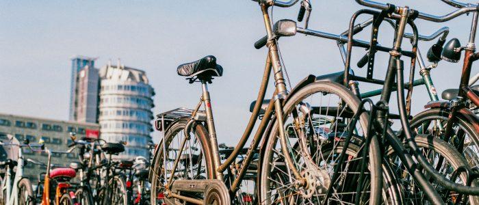Amsterdam gaat concurrentie met auto aan met 1400 deelfietsen