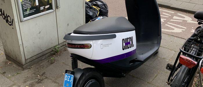 Nieuw type Check scooter gespot in Rotterdam
