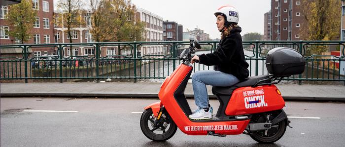 Kort nieuws: Check haalt geld op voor Rode Kruis, in 2021 deelbakfietsen in Rotterdam